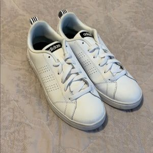 Adidas neo comfort footbed tennis shoes